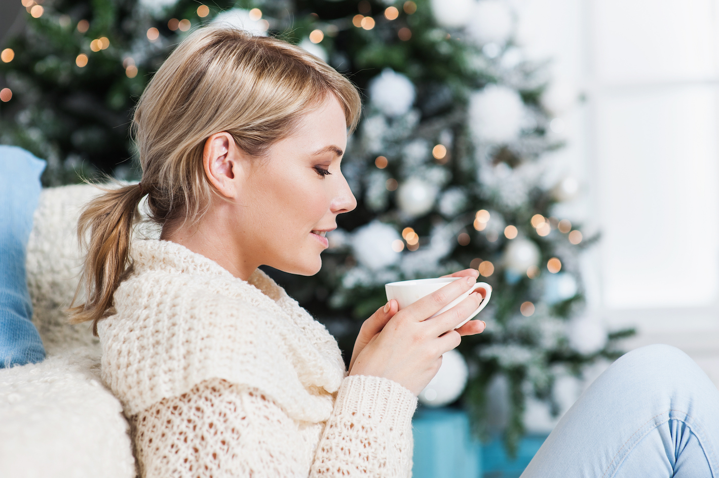 "5 Ways to Make Your Home ""Christmas Cozy"" All Year Round"